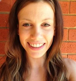 Larissa, tutor in Caroline Springs, VIC